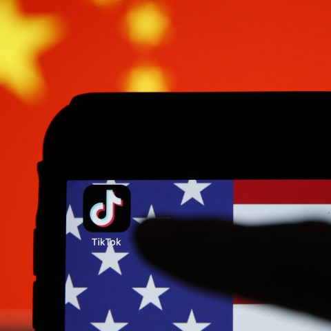 china-tightens-tech-export-controls-potentially-jeopardizing-tiktok-deal,-reports-say