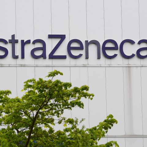 astrazeneca-covid-19-vaccine-trial-in-us.-on-hold-until-at-least-midweek,-sources-say