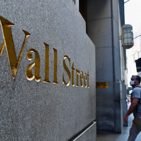 dow-futures-fall-460-points-as-wall-street-grapples-with-rising-covid-cases,-earnings