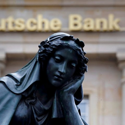 deutsche-bank-swings-back-to-profit-in-third-quarter,-beats-expectations