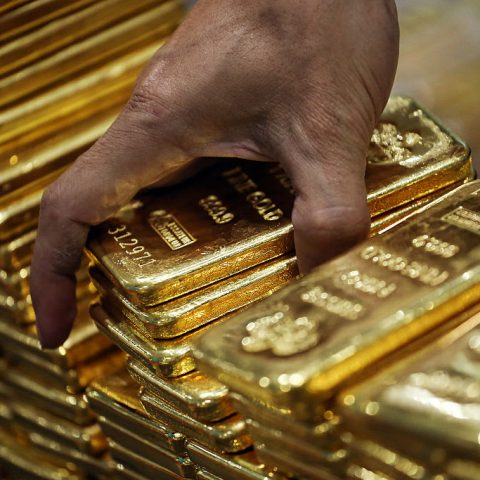 india's-gold-demand-fell-30%,-but-'cautious-optimism'-may-be-returning
