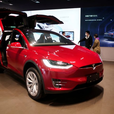 tesla-jumps-6%-in-heavy-volume-ahead-of-s&p-500-entry,-stock-then-falls-a-bit-in-after-hours