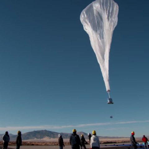 alphabet-cancels-loon,-project-to-beam-internet-to-earth-from-balloons