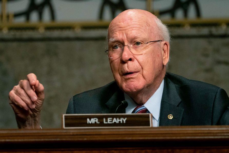 sen.-patrick-leahy,-set-to-preside-over-trump-impeachment,-returns-home-after-brief-hospitalization