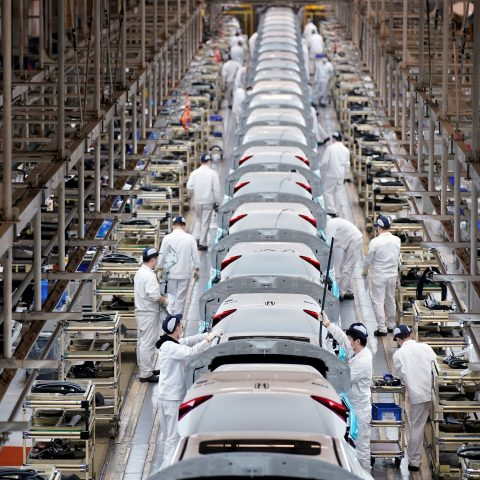 china-reports-a-growing-shortage-of-factory-workers