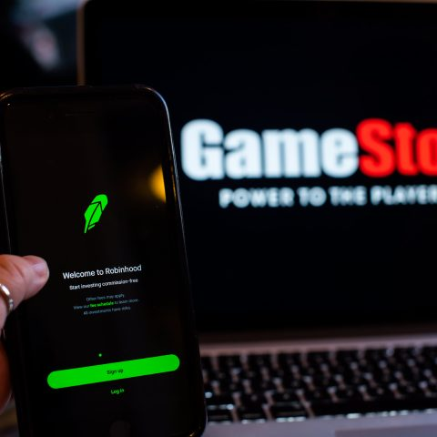 gamestop-shares-climb-more-than-30%-after-robinhood-lifts-trading-restrictions