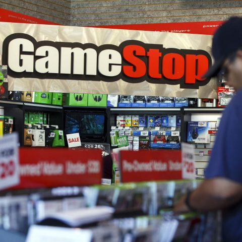 stocks-making-the-biggest-moves-after-the-bell:-gamestop,-square,-intuit-&-more
