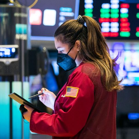us.-stock-futures-rise-after-s&p-500-snaps-two-day-winning-streak