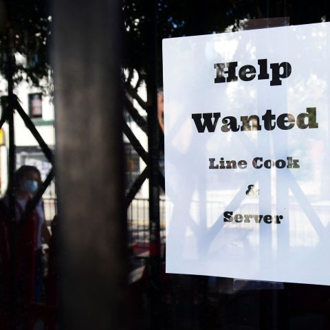 cutting-off-unemployment-benefits-early-is-not-pushing-people-to-find-work,-data-suggests